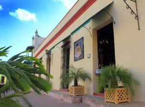 Restaurante 1800. Plaza San Juan de Dios, Camaguey, Cuba